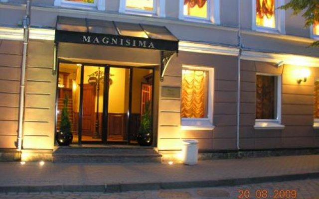 Magnisima