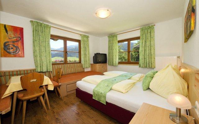 Отель Landhaus Strasser Австрия, Зёлль - отзывы, цены и фото номеров - забронировать отель Landhaus Strasser онлайн комната для гостей