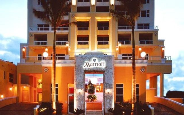 Отель Marriott Stanton South Beach вид на фасад