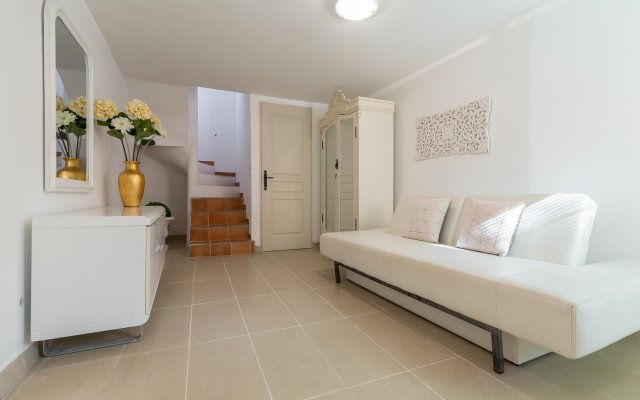 Forville Townhouse 0