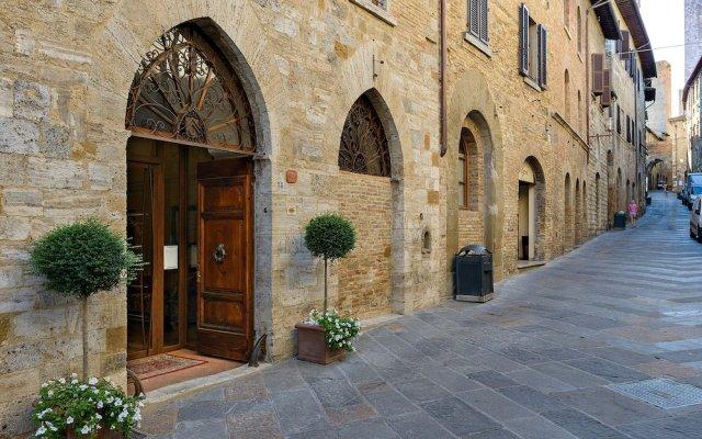 Отель Casa Torre Margherita Италия, Сан-Джиминьяно - отзывы, цены и фото номеров - забронировать отель Casa Torre Margherita онлайн вид на фасад