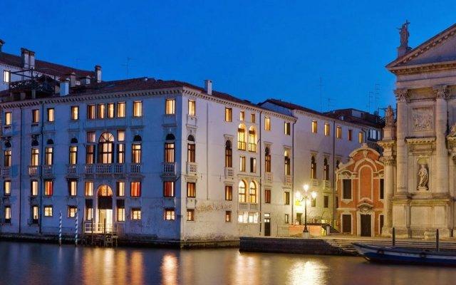 Отель Palazzo Giovanelli e Gran Canal Италия, Венеция - отзывы, цены и фото номеров - забронировать отель Palazzo Giovanelli e Gran Canal онлайн вид на фасад