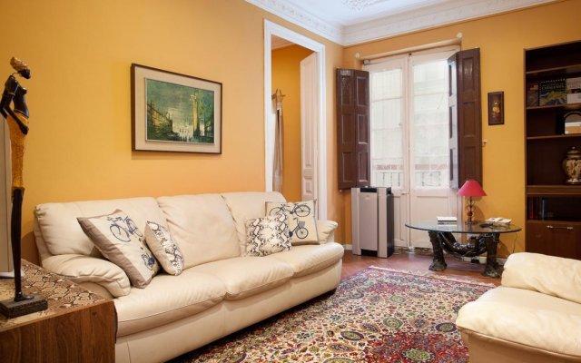 Апартаменты Big Ramblas Barcelona Apartments комната для гостей