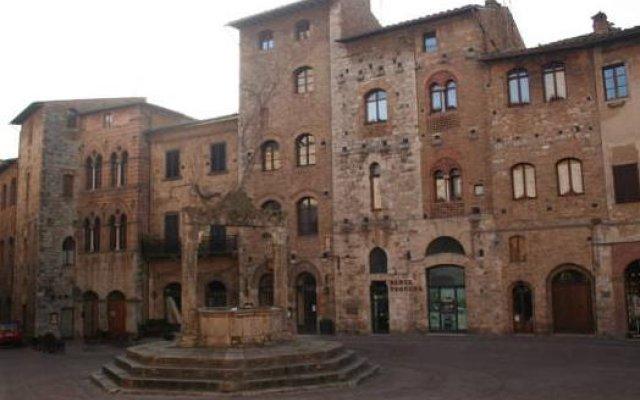Отель Fabio Apartments San Gimignano Италия, Сан-Джиминьяно - отзывы, цены и фото номеров - забронировать отель Fabio Apartments San Gimignano онлайн вид на фасад