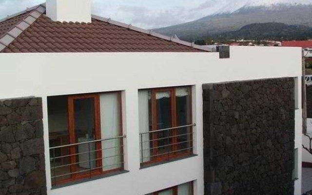 Отель Baia da Barca Apartamentos Turisticos Португалия, Мадалена - отзывы, цены и фото номеров - забронировать отель Baia da Barca Apartamentos Turisticos онлайн вид на фасад