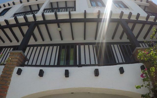 Hotel Sansiraka вид на фасад