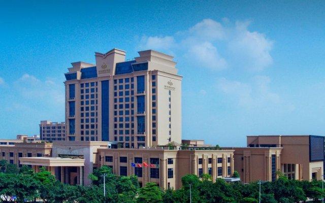 Grand Oriental Hotel вид на фасад