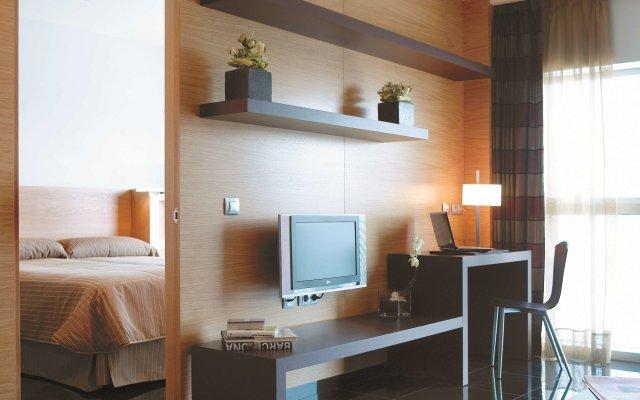 Отель Hesperia Fira Suites в номере