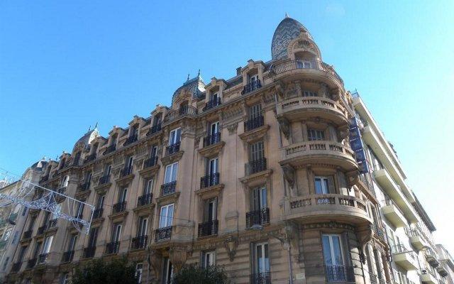 Отель Kyriad Centre Gare Ницца вид на фасад