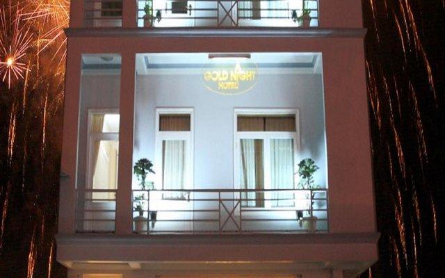 Отель Gold Night Далат вид на фасад