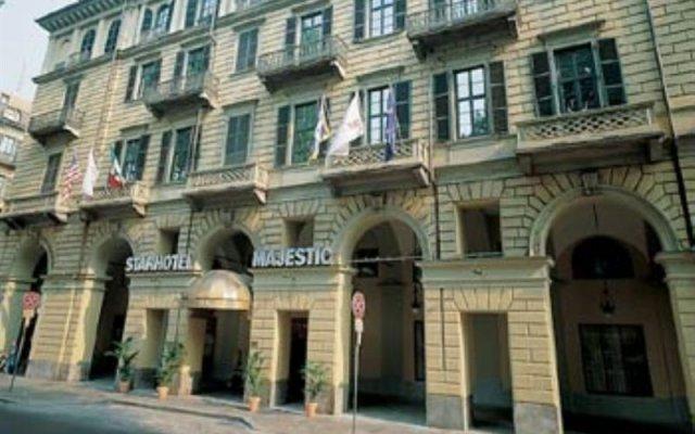 Отель Starhotels Majestic вид на фасад