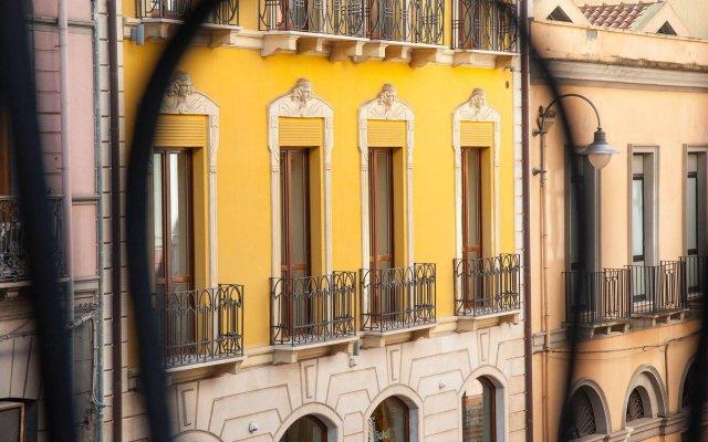 Отель Flora Италия, Кальяри - отзывы, цены и фото номеров - забронировать отель Flora онлайн вид на фасад