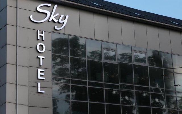 Sky Hotel вид на фасад