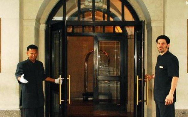 Отель Salisbury Hotel США, Нью-Йорк - 8 отзывов об отеле, цены и фото номеров - забронировать отель Salisbury Hotel онлайн вид на фасад