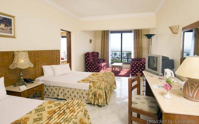 Отель Morgana Beach Resort комната для гостей