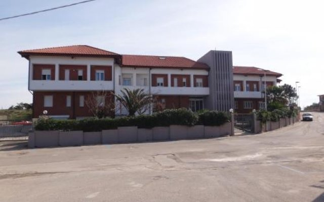 Отель Residenza Ondanomala Озеро Лезина вид на фасад