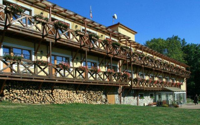 Отель Resort Stein Чехия, Хеб - отзывы, цены и фото номеров - забронировать отель Resort Stein онлайн вид на фасад