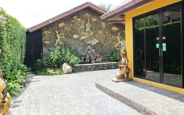 Отель Kamala Tropical Garden вид на фасад
