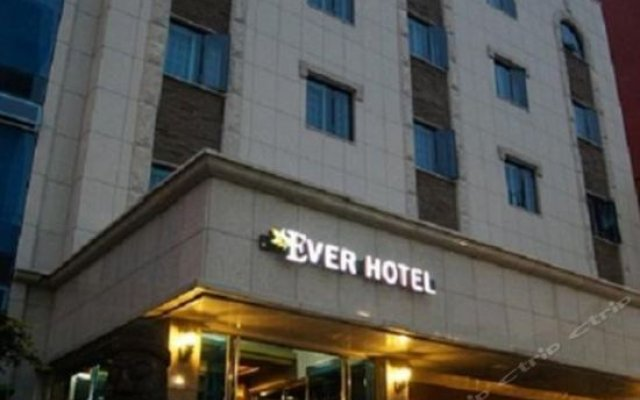 Ever Hotel