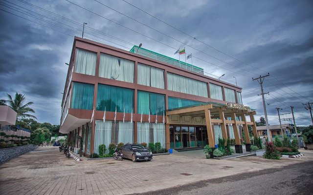 Famous Hotel Loikaw
