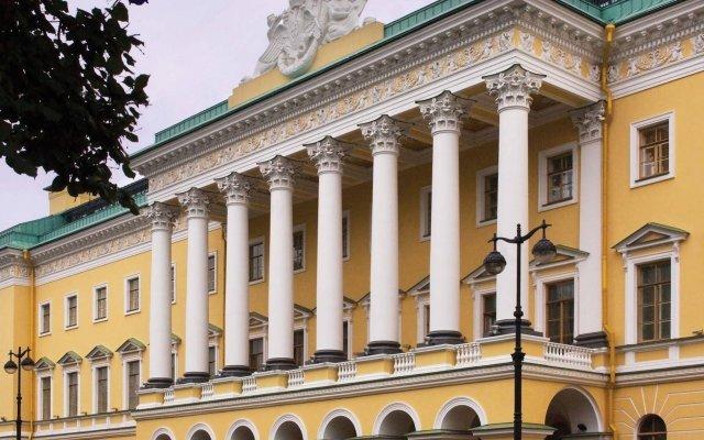 Гостиница Four Seasons Lion Palace St. Petersburg вид на фасад