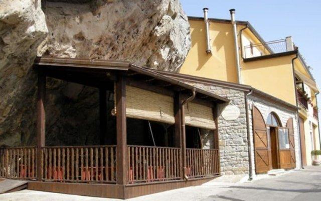 Отель Le Costellazioni Кастельмеццано вид на фасад