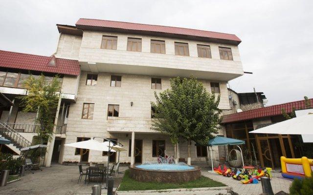 Отель Miami Suite Армения, Ереван - 1 отзыв об отеле, цены и фото номеров - забронировать отель Miami Suite онлайн вид на фасад