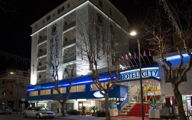 Hotel City Монтезильвано вид на фасад