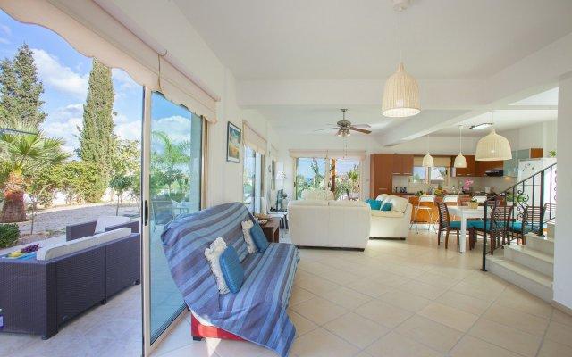 Отель Villa Crystal Sea Кипр, Протарас - отзывы, цены и фото номеров - забронировать отель Villa Crystal Sea онлайн вид на фасад