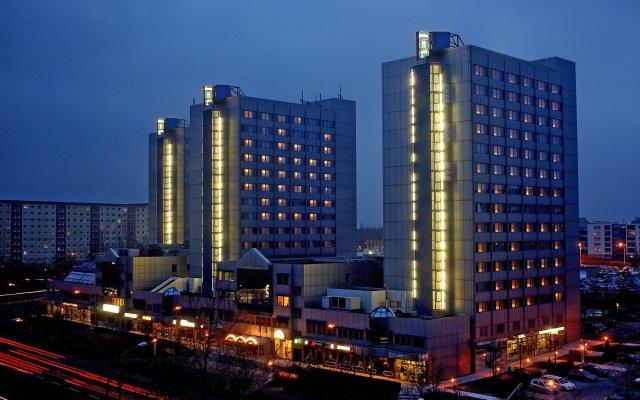 City Hotel Berlin East вид на фасад