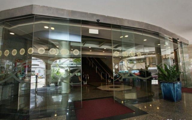 Отель Furama City Centre вид на фасад