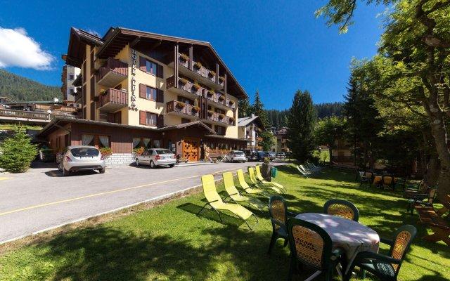 Hotel Alpina Пинцоло вид на фасад