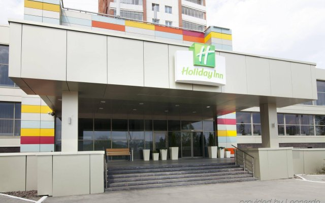 Гостиница Holiday Inn Chelyabinsk - Riverside вид на фасад