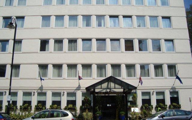 Отель Ambassadors вид на фасад