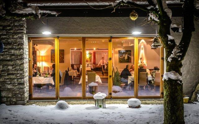 Отель Gasthof Auerhahn Австрия, Зальцбург - отзывы, цены и фото номеров - забронировать отель Gasthof Auerhahn онлайн вид на фасад