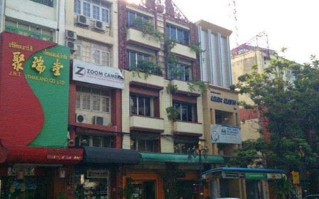 Отель Om Yim Lodge вид на фасад
