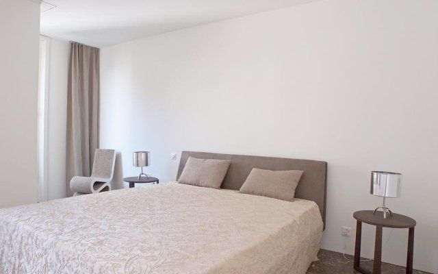Отель City Living комната для гостей
