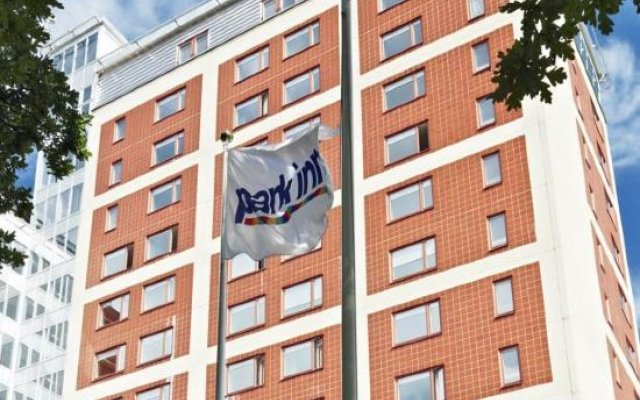 Отель Park Inn by Radisson Stockholm Solna Швеция, Солна - отзывы, цены и фото номеров - забронировать отель Park Inn by Radisson Stockholm Solna онлайн вид на фасад