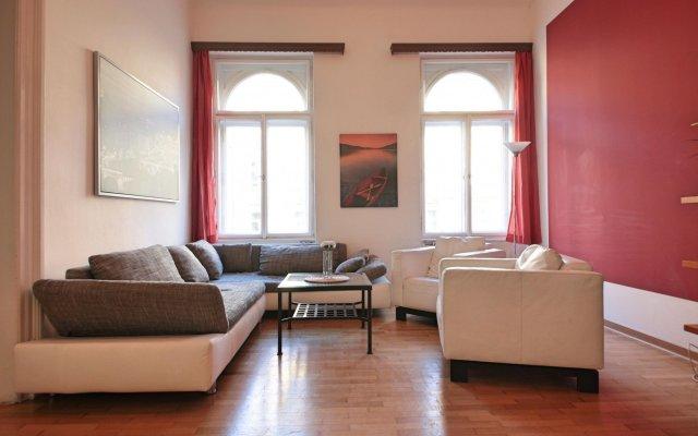 Отель Tyrsova Flat комната для гостей