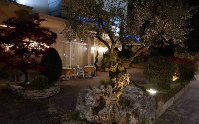 Отель Lanterna Италия, Абано-Терме - отзывы, цены и фото номеров - забронировать отель Lanterna онлайн вид на фасад