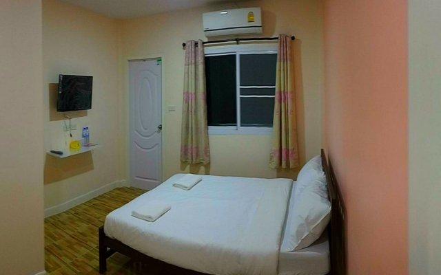 Отель Baan Pooh Inn Бангкок комната для гостей