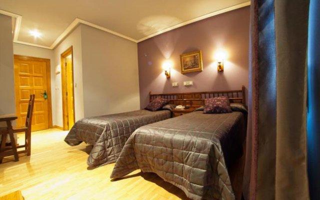 Отель Hostal Gran Duque Испания, Боойо - отзывы, цены и фото номеров - забронировать отель Hostal Gran Duque онлайн комната для гостей
