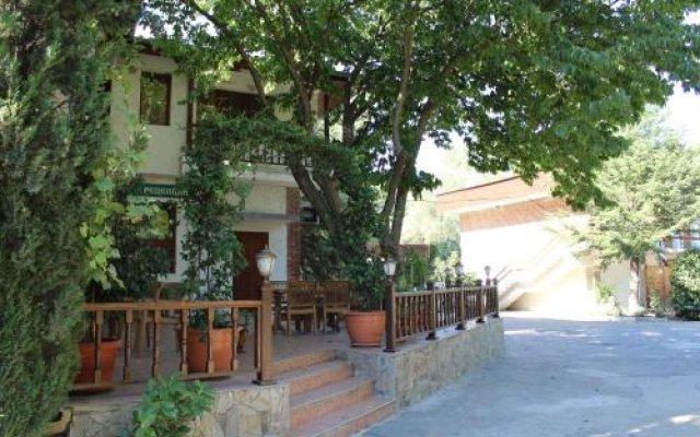 Отель Complex Ekaterina Болгария, Сливен - отзывы, цены и фото номеров - забронировать отель Complex Ekaterina онлайн вид на фасад