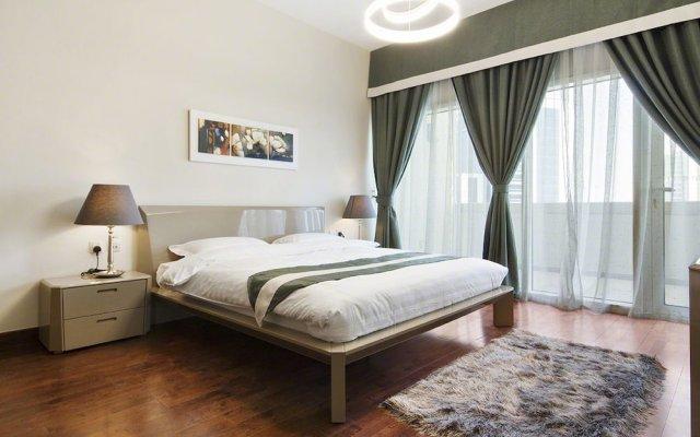 Отель Bespoke Residences - Bay Square комната для гостей
