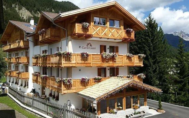 Hotel Garni Lastei Долина Валь-ди-Фасса вид на фасад