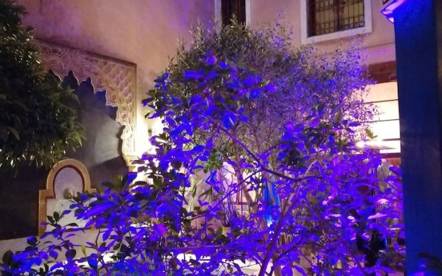 Отель Riad Tara Марокко, Фес - отзывы, цены и фото номеров - забронировать отель Riad Tara онлайн вид на фасад