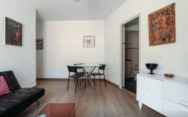 Sunny and Modern 1 Bedroom with Balcony 0