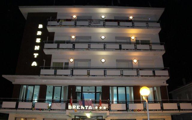 Отель Brenta Италия, Римини - 1 отзыв об отеле, цены и фото номеров - забронировать отель Brenta онлайн вид на фасад