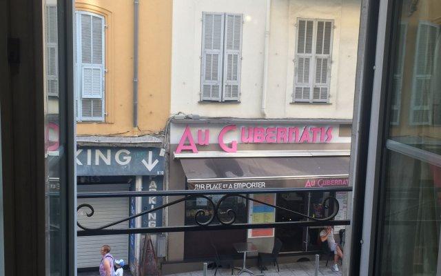 Отель Stay in the heart of Nice Ницца вид на фасад