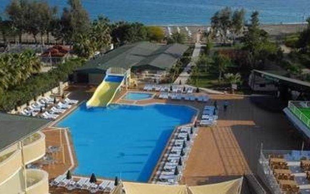 Armoni Paradise Beach Hotel - All Inclusive бассейн
